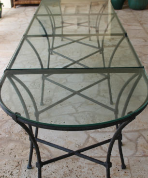 Gunn Dining Table