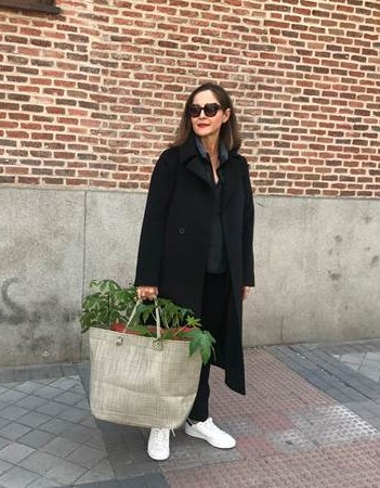 Sylvia Melián on the streets of Madrid Tangleknot Bag Beach